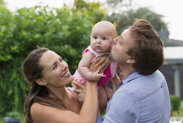 beba-roditelji-porodica-foto-orig