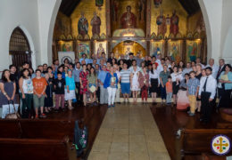 Entrega de diplomas a los graduados del Instituto ortodoxa de San Ignacio de Antioquía, en Santiago, Chile