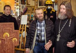 Свештеник Фјодор Коњухов намјерава да постави крст на најдубљу тачку Тихог океана од око 10.9 км