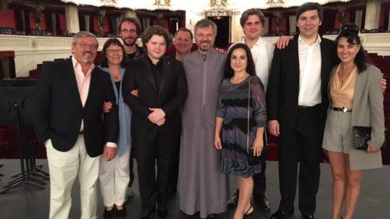 Именитые гости из России в гостях у прихода Св. Николая Сербского