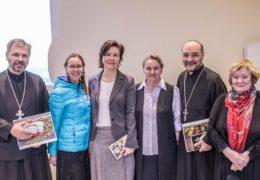 La representante del Museo Estatal Tretiakov de Moscú Lyubov Ushakova realizó dos conferencias en Santiago de Chile