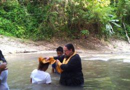 Масовно крштење у Аракану, на Филипинима