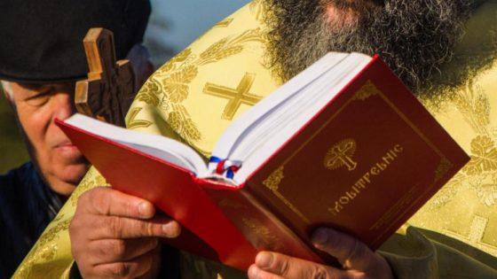 Los pecados del sacerdote no afectan al Sacramento del Sacerdocio