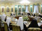 Одлуке ванредног засједања Свештеног синода Руске православне цркве у вези са мијешањем Цариградске патријаршије у црквене проблеме у Украјини