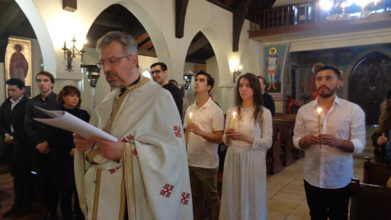 На празник Покрова Пресвете Богородице у парохији Светог Николаја Жичког у Сантјагу де Чиле крштено троје Чилеанаца