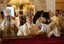 El Patriarca Ecuménico Bartolomé defendió a la Iglesia Ortodoxa Serbia en Montenegro