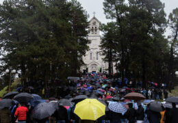 В Черногории 6000 верующих вышли против антицерковного закона