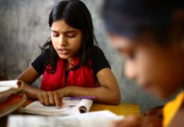 """Када """"учење на даљину"""" доведе до већег израбљивања деце"""