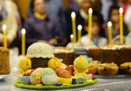 La celebración de Pascua en la parroquia de San Nicolás de Serbia en Santiago, Chile