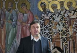 """Мило 800-годишњицу СПЦ """"честитао"""" најавом отимања имовине"""
