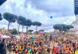 Хиљаде учесника у протесту против побачаја у Риму